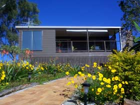 Lamb Island Bed and Breakfast - Australia Accommodation