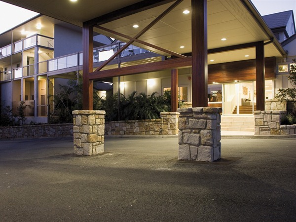 Mercure Clear Mountain Lodge Spa and Vineyard - Australia Accommodation