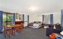 Ambleside Bed and Breakfast Cabins - Australia Accommodation