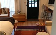 Milo's Bed and Breakfast - Australia Accommodation