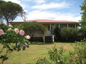 Hope Cottage Country Retreat At Assmanshausen Winery - Australia Accommodation