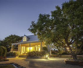Vineyard Cottages and Cafe - Australia Accommodation