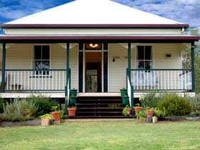 Rovers Rest Guesthouse and Studio Units - Australia Accommodation