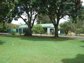 Bungadoo Country Cottage - Australia Accommodation