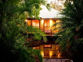Hunchy Hideaway - Australia Accommodation
