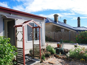 Oatlands Retreat - Australia Accommodation