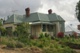 Hamilton Heritage Holiday Homes - Bonnie Brae Lodge - Australia Accommodation