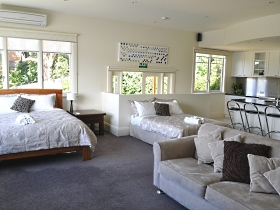 Belton House - Australia Accommodation