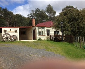 Glenbrook House and Cottage - Australia Accommodation