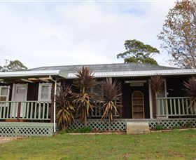 Old Whisloca Cottage - Australia Accommodation