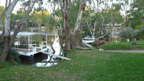 Riverside Waterfront Motel Wahgunyah - Australia Accommodation