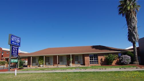 Australian Settlers Motor Inn - Australia Accommodation