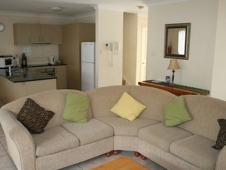 Pacific Sun Gold Coast Holiday Townhouse - Australia Accommodation