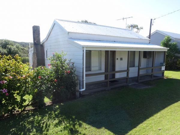 Catho Cottage - Australia Accommodation