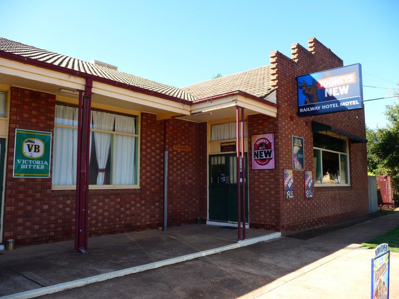 Bogan Gate Railway Hotel - Australia Accommodation