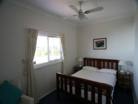Beachside Cottage - Australia Accommodation