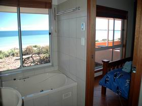Ceduna Shelly Beach Caravan Park and Beachfront Villas - Australia Accommodation
