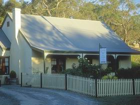 Country Pleasures Bed and Breakfast - Australia Accommodation