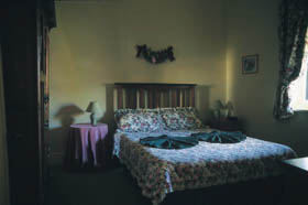 Croll Cottage - Australia Accommodation