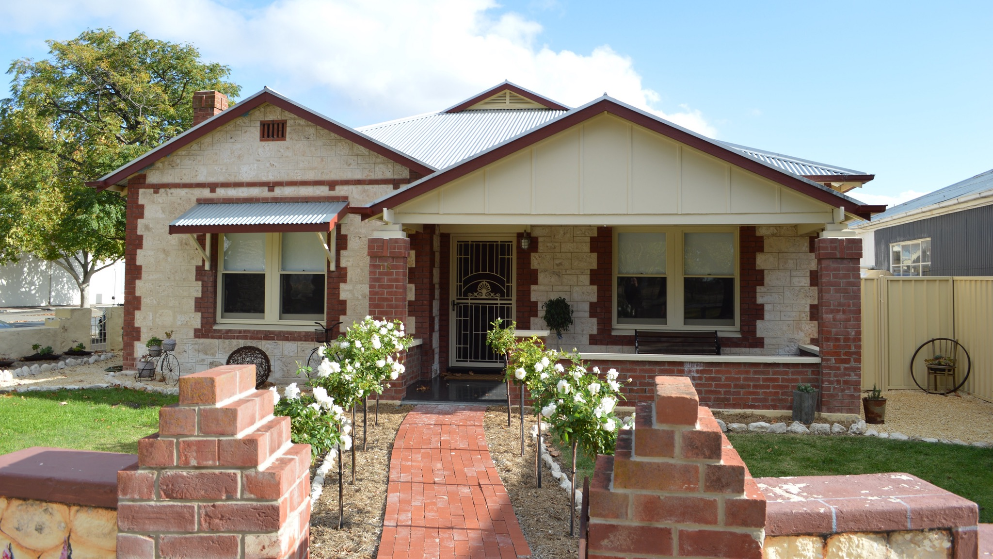 Two Cow Cottage Bed and Breakfast - Australia Accommodation
