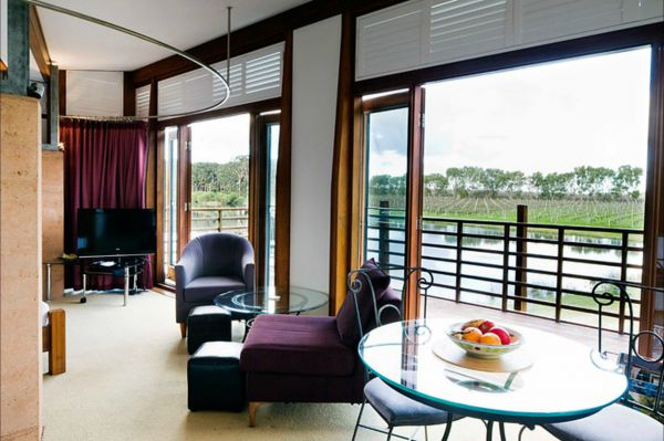 Bettenay's Lakeside Chalets and Luxury Spa Apartment - Australia Accommodation