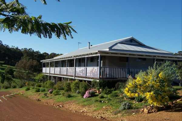 Blue House Bed and Breakfast - Australia Accommodation
