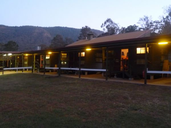 Christmas Creek Cafe and Cabins - Australia Accommodation