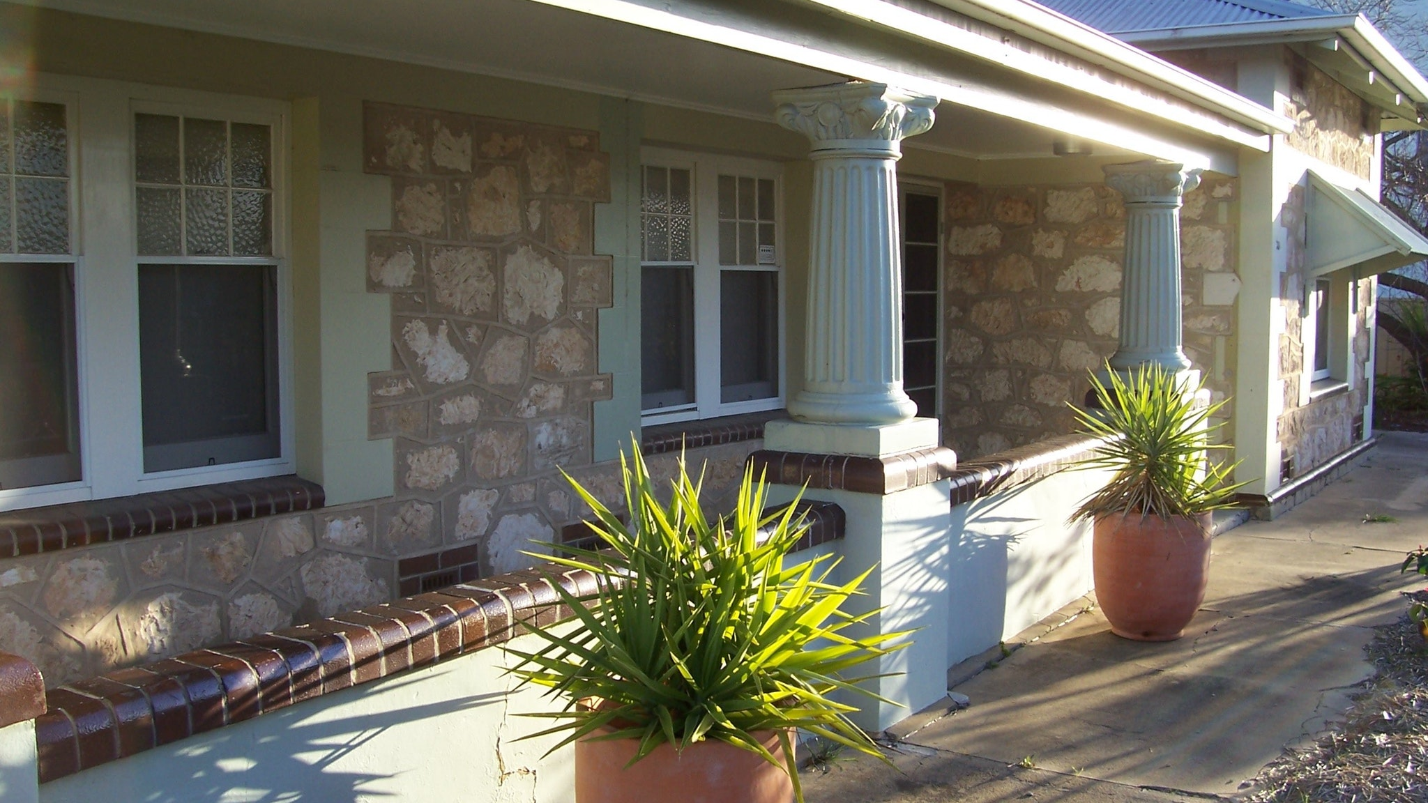Naracoorte Cottages - MacDonnell House - Australia Accommodation