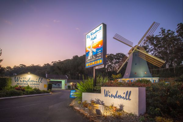 The Big Windmill Corporate and Family Motel - Australia Accommodation