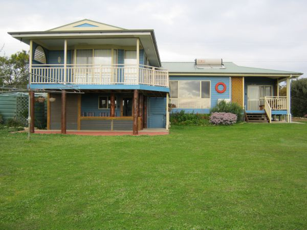 Baudins View Holiday House - Australia Accommodation