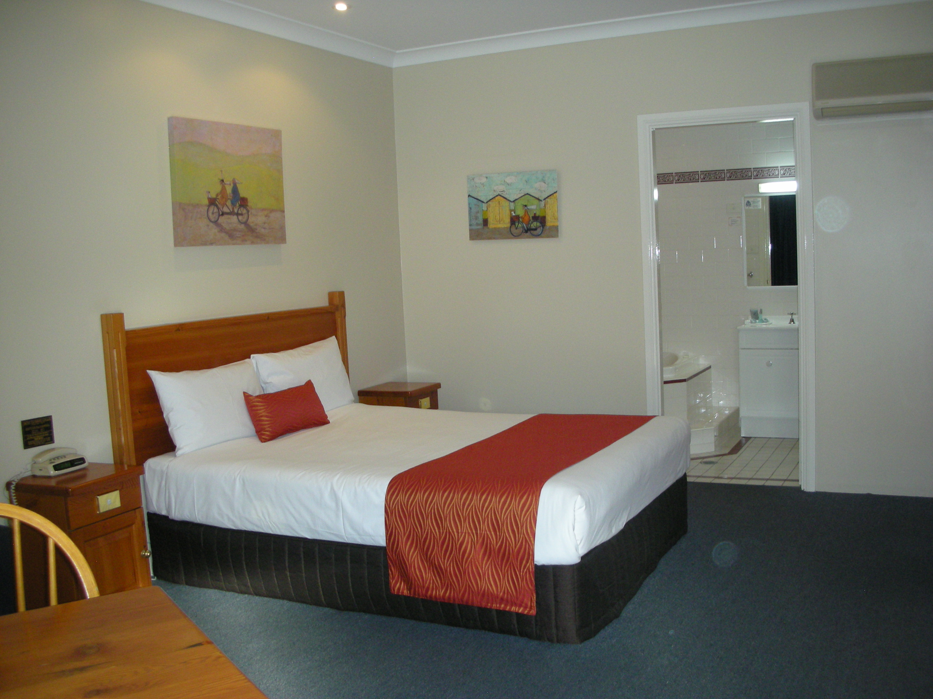 Breakout Motor Inn - Australia Accommodation