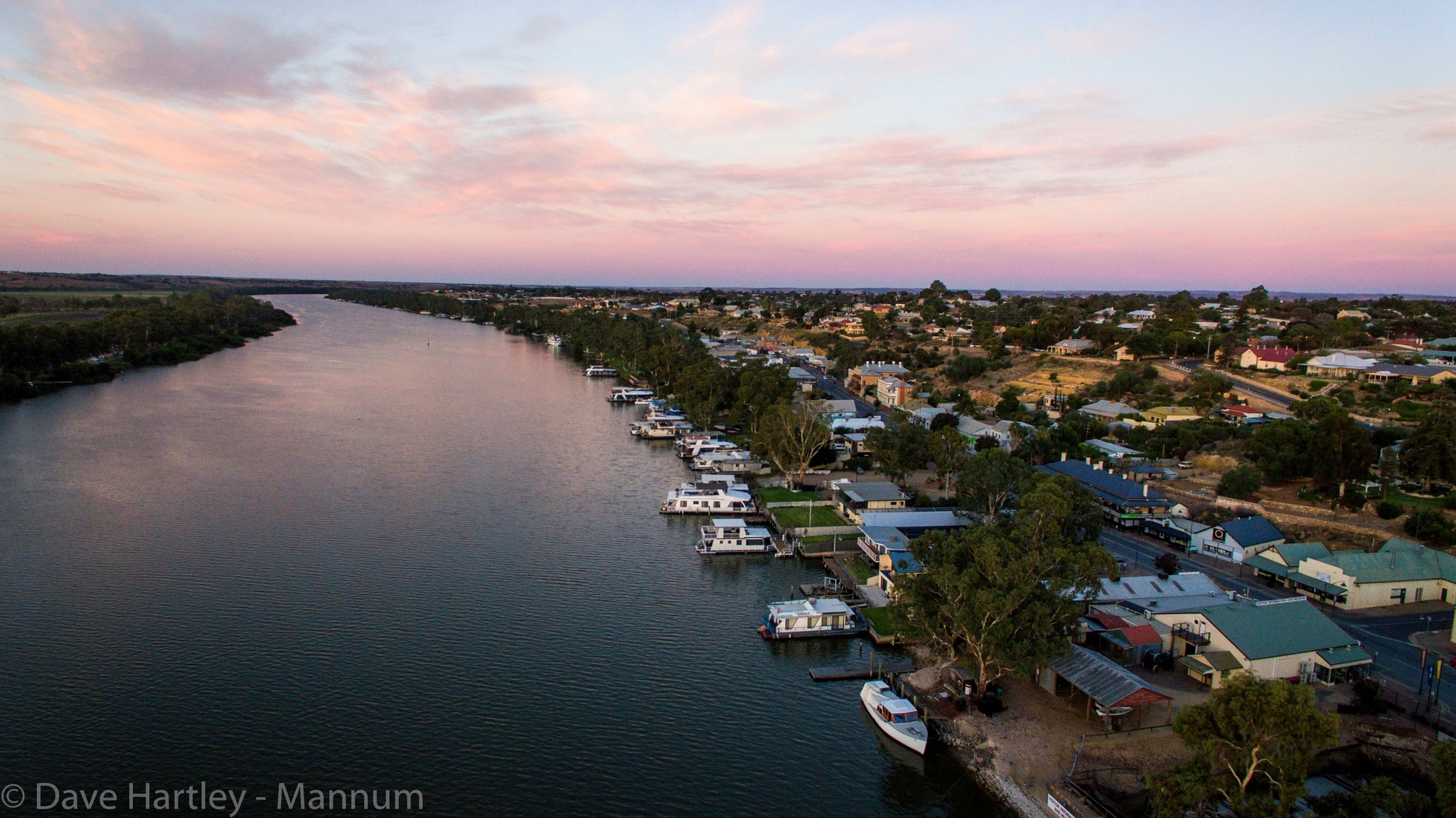 River Shack Rentals - Mannum - Australia Accommodation