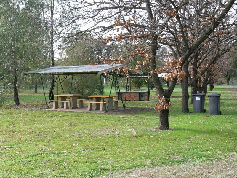 Gogeldrieweir Park - Australia Accommodation