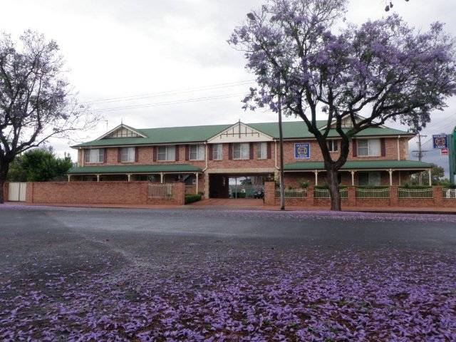 Endeavour Court Motor Inn - Australia Accommodation
