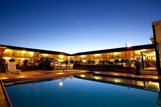 Golden West Motor Inn - Australia Accommodation