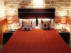 Highlander Motor Inn  Apartments - Australia Accommodation