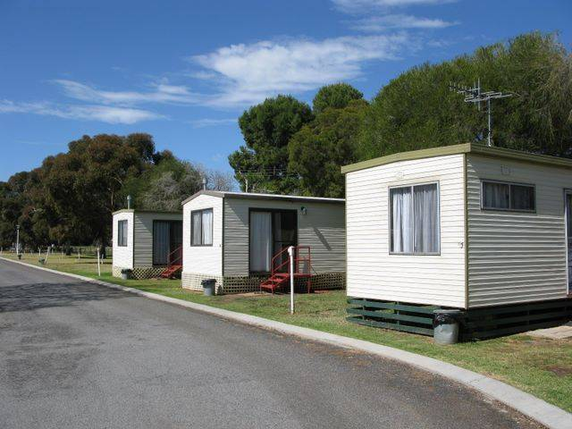 Leeton Caravan Park - Australia Accommodation