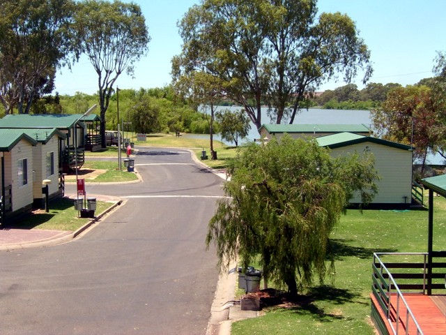 Mannum Caravan Park Cabins - Australia Accommodation