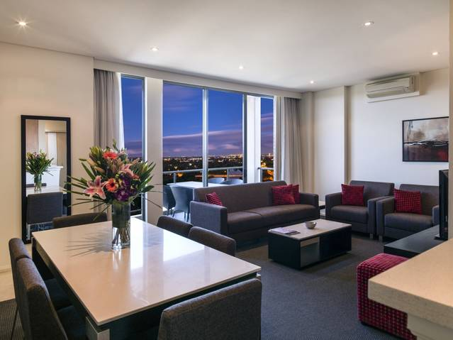 Meriton Serviced Apartments Parramatta - Australia Accommodation