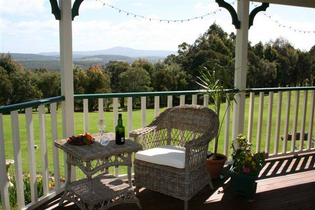 Mt Lindesay View Bed  Breakfast - Australia Accommodation