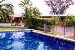 Overlander Hotel Motel - Australia Accommodation