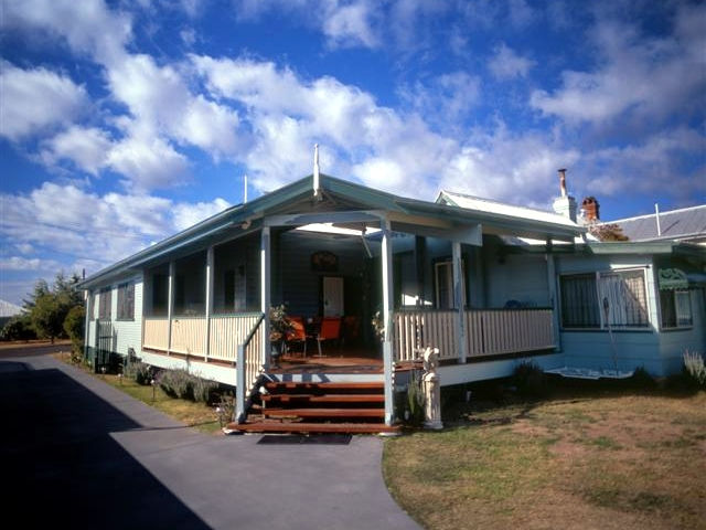 Pitstop Lodge Guesthouse and BB - Australia Accommodation