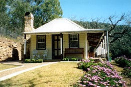 Price Morris Cottage - Australia Accommodation