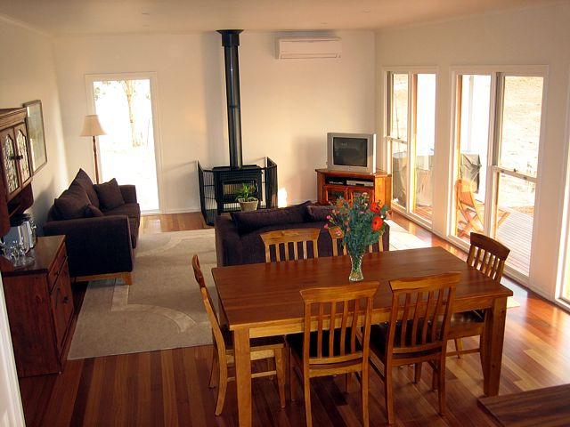 Strath Valley View B and B - Australia Accommodation
