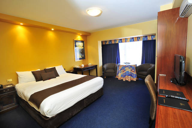 The Clifton Motel and Grittleton Lodge - Australia Accommodation
