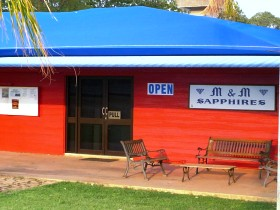 M and M Sapphires - Australia Accommodation