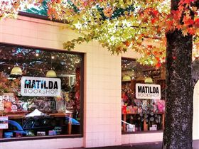 Matilda Bookshop - Australia Accommodation