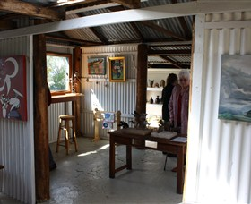 Tin Shed Gallery - Australia Accommodation