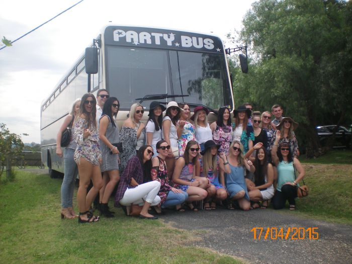 R  R Bus and Leisure Hire - Australia Accommodation