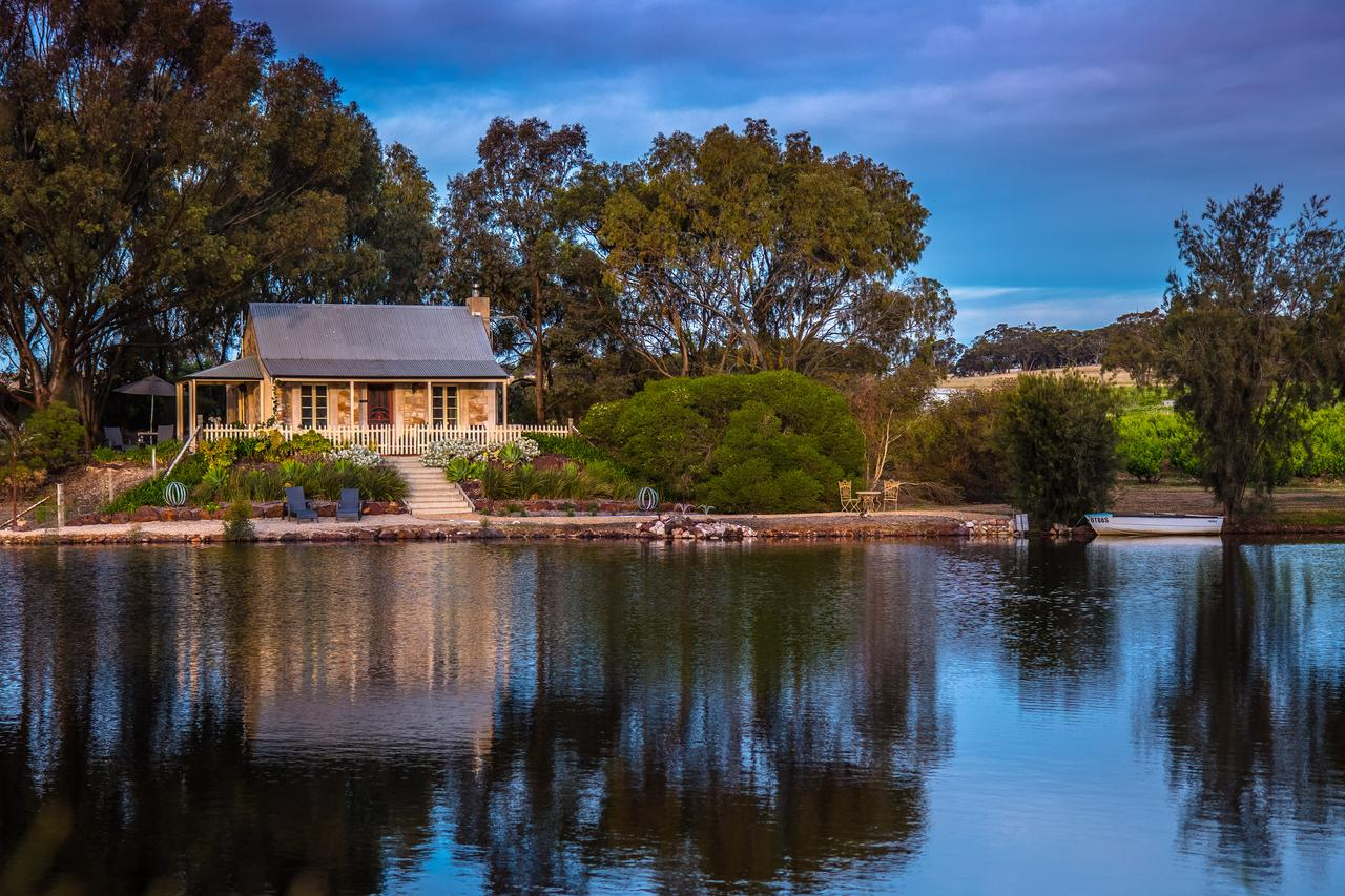 Stonewell Cottages and Vineyards - Australia Accommodation
